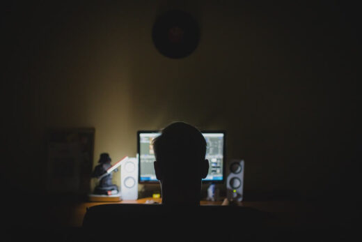 Jakie są objawy uzależnienia od komputera?